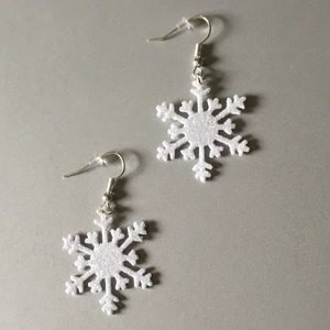 ❄️❄️ Snowflake Earrings ❄️❄️. Stocking Stuffers